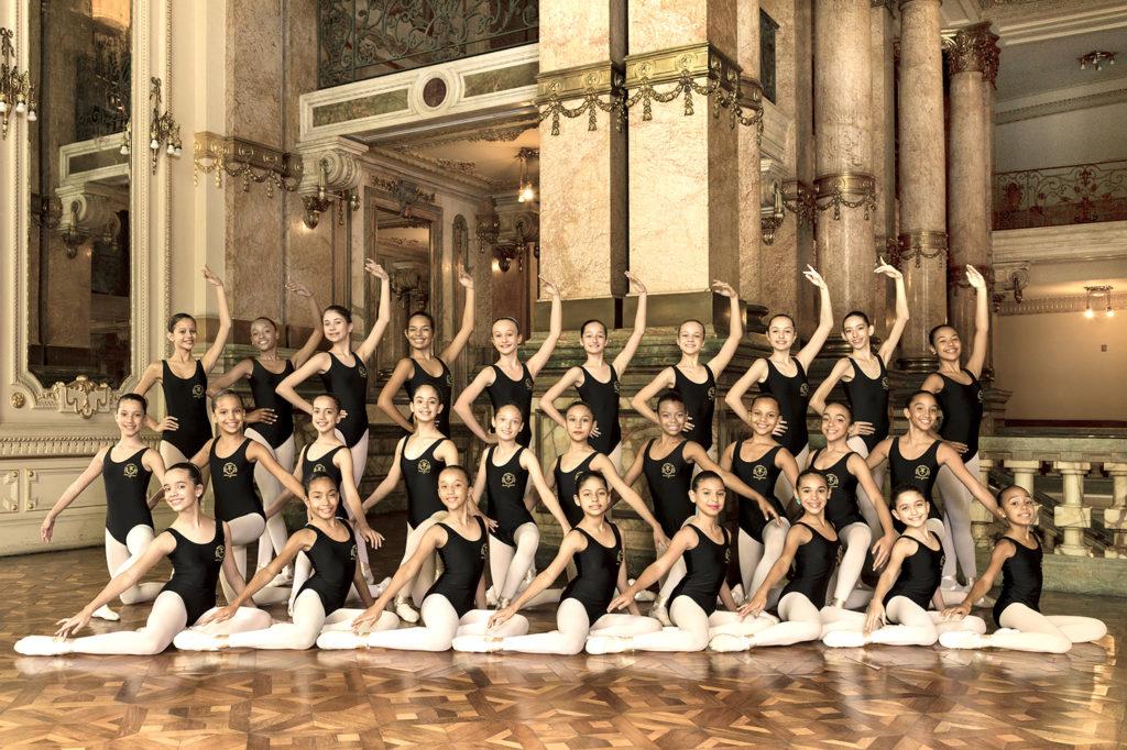 Escola Estadual de Dança Maria Olenewa – Theatro Municipal